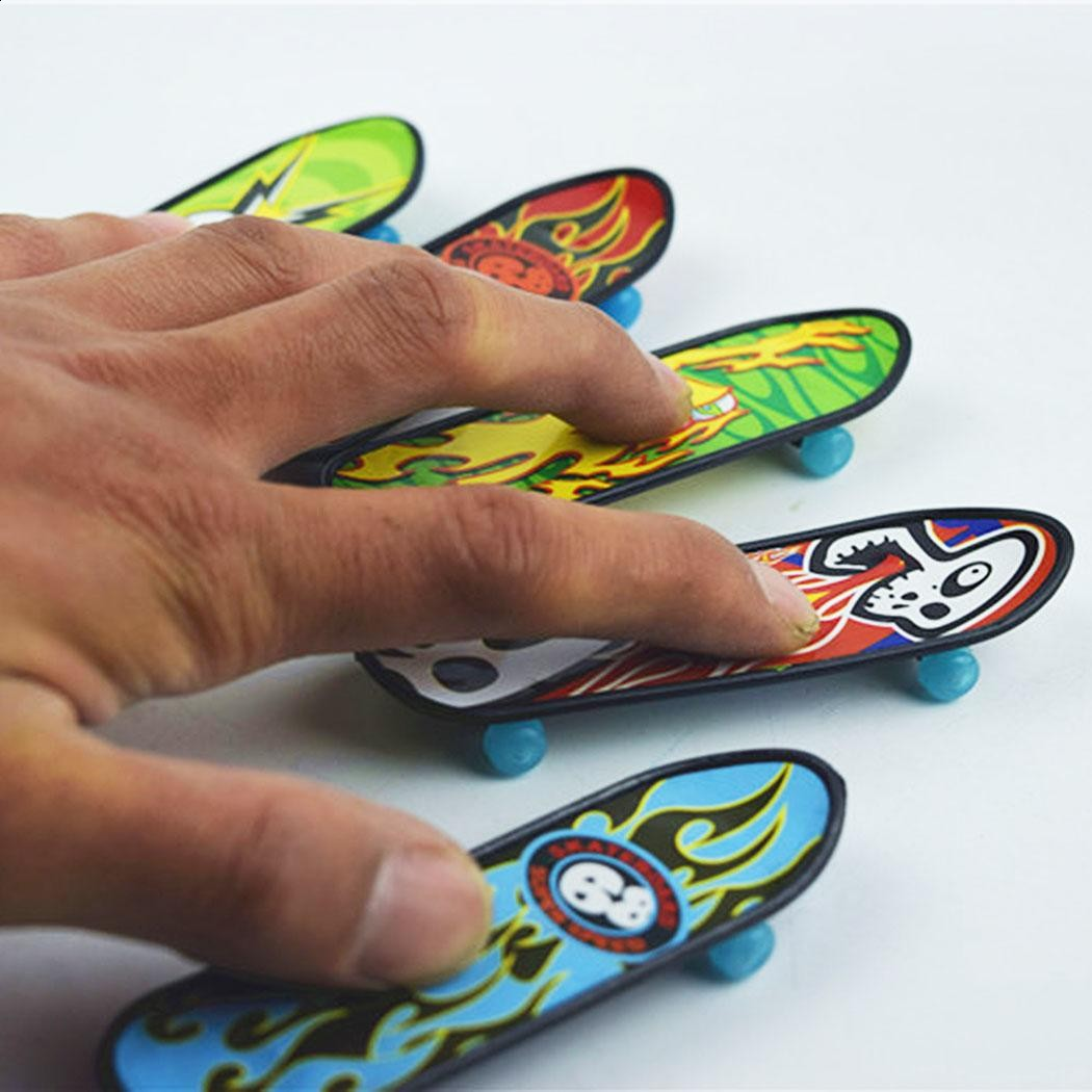 Arshiner New Kids Game Simulation Finger Skateboard Shape Toys Finger Toys For Children Random Color