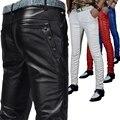 Invierno de los hombres de moda flaco PU pantalones de cuero apretados representaciones teatrales delgado hombre negro rojo blanco de la motocicleta de LA PU pantalones de cuero de imitación