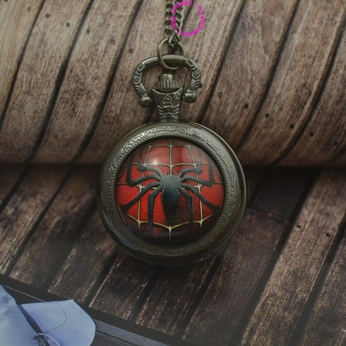 Großhandel mode quarz cartoon taschenuhr halskette frau fob uhr hero logo schwarz runde konvexen objektiv glas bild nette spaß