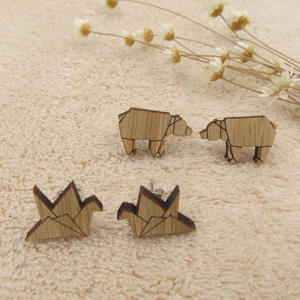 Amazon.com: Origami Crane, Swan stud Earrings in gold / silver ... | 960x960