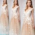 Moda Vestidos de Noite Vestidos Até O Chão Profundo Decote Em V Lace Apliques Flores Champagne Uma Linha de Vestidos de Baile 2017