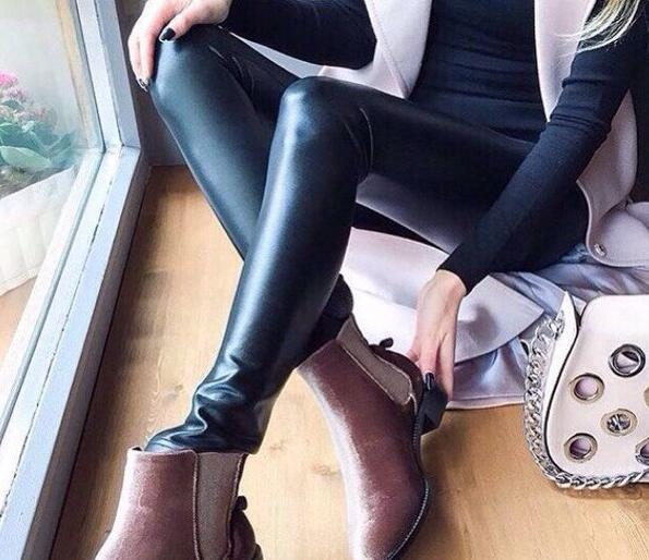 2017 vrai Faux cuir de mode pantalons pantalons Mujer printemps nouveau pieds des femmes Plus jambières en polyuréthane couleur unie - 2