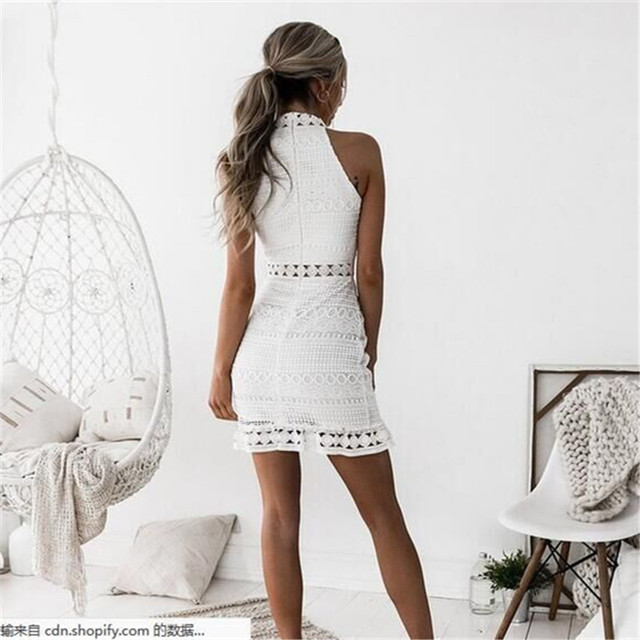 2018 New sexy Vintage hollow out lace dress women Elegant sleeveless white dress summer chic party sexy mini dress vestidos 2XL 2
