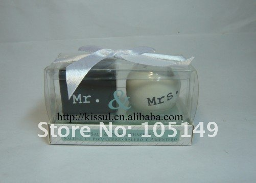 100pcs/lot (50boxes) Wedding Favors 'Mr and Mrs' Ceramic Salt and Pepper Shakers
