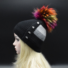 2017 Зима Новый Реальный мех Енота цвет помпонами зимняя шапка для женщины девушки шерсть шляпа вязаный шерстяной шапочки кап толстый женщина caps
