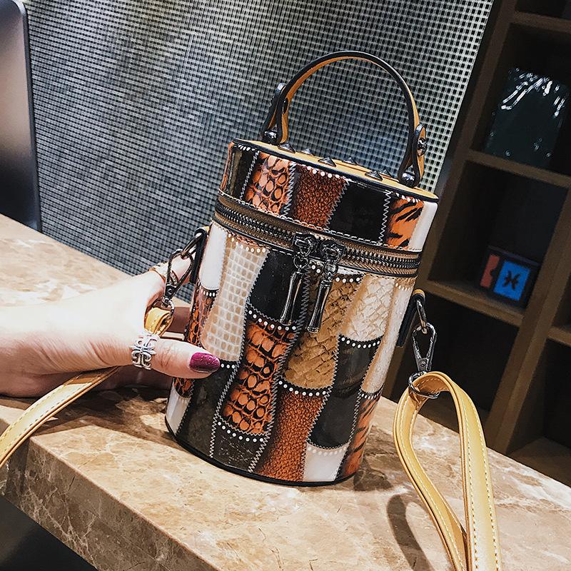 Personalized bucket bag women's high quality PU leather chain shoulder bag designer rivets handbag women's mobile phone bag