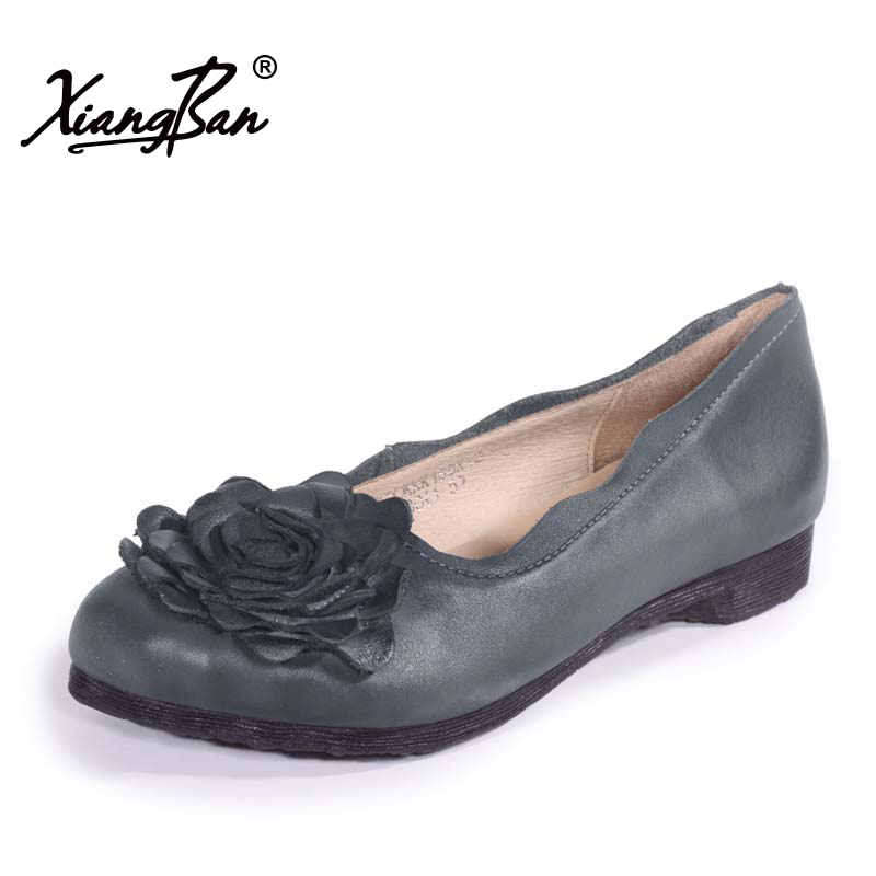 Xiangban 2019 spring genuine leather women flat shoes handmade retro flowers casual loafers flat comfortableXiangban 2019 spring genuine leather women flat shoes handmade retro flowers casual loafers flat comfortable