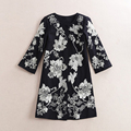 2016 Europe Autumn Newest O-Neck Single Breasted Three Quarter Sleeve Vintage Flowers Embroidery Black Fashion Long Coat Women