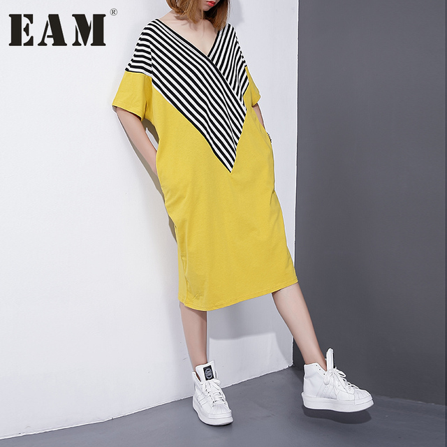 [EAM] Лето 2017 г. мода новый шаблон Разделение совместное полоса v-образным вырезом короткий рукав Свободные Большой Размеры платье женщины Y476