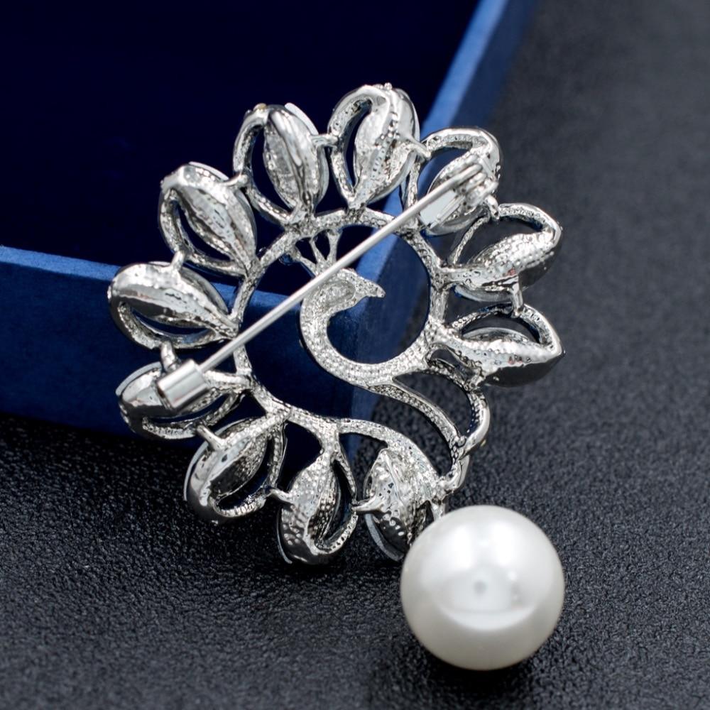 New Crystals Rhinestone Peacock Animal Brooch Broach Pins for Women Jewelry Dress Accessories STK02594