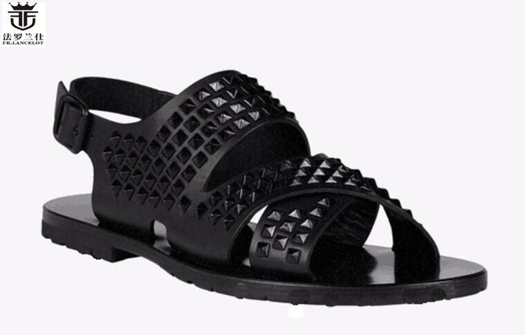FR.LANCELOT Europe new 2018 men gladiator sandal flat heel summer shoes black leather sandals spike stud thick heel causal flats