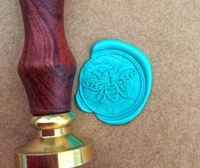 For DIY Crawn Bee Pattern Wax Seal Stamp Retro Wooden Antique Sealing Wax Scrapbook Stamps Craft Wedding Decorative Invitation 2