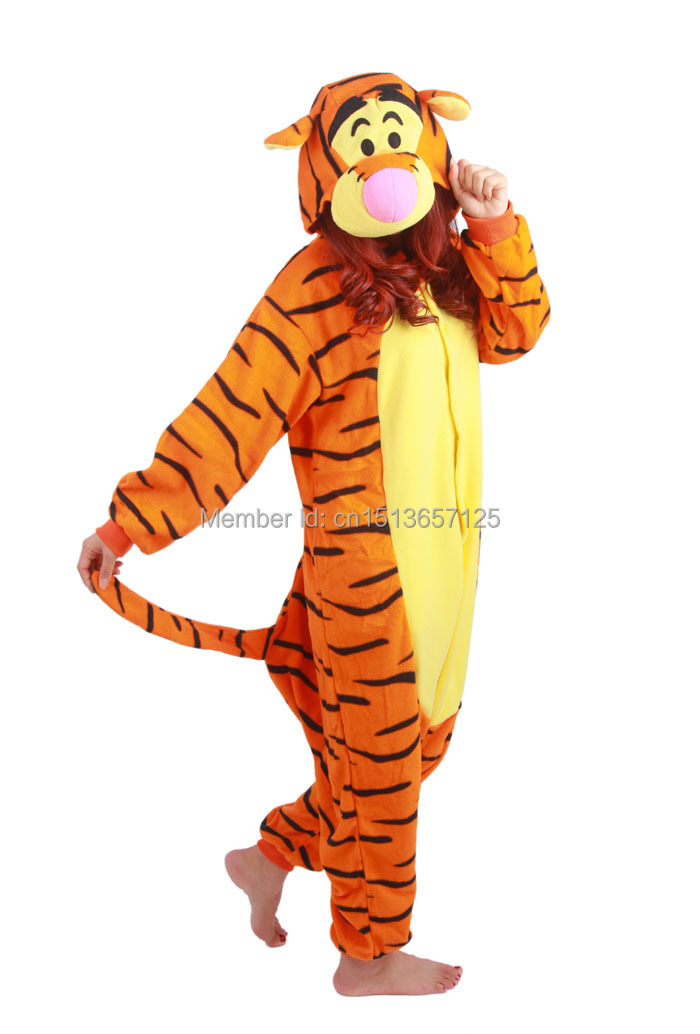 2017 Hot Anime Tier Wütend Winnie Tigger Ferkel Cosplay Pyjamas Erwachsene Unisex Onesie Fleece Party Kleider Overall