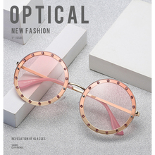linther 2019 new fashion design sunglasses color frame round diamond high quality sunglasses for women lot free shipping stylish flecky round frame and golden leg design sunglasses for women