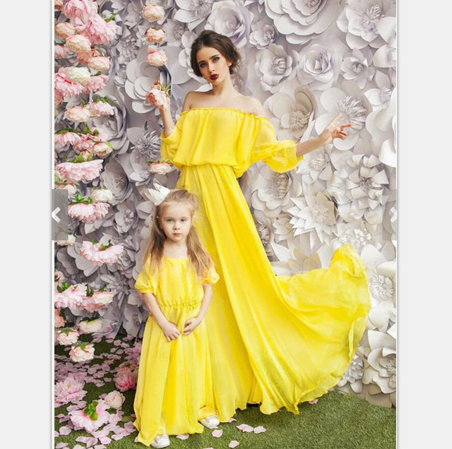 ef5579bd8c4b 2018 Mother And Daughter Dress Summer Girls Beach Clothing flower Print  Bohemia Style Mom and Me Clothes Family Matching Outfits