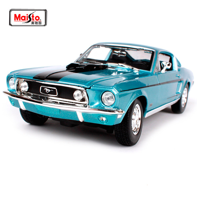 Maisto  White Blue Ford Mustang Gt Cobra Jet Muscle Car Model Cast Model Car Toy New In Box Free Shipping