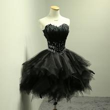 Sexy Schwarz Cocktailkleider Federn Kurze Party Kleider mit Glänzenden Perlen Kurze Schwarze Abendkleider Nach Maß