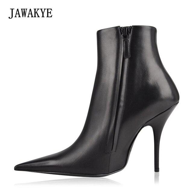 JAWAKYE Sexy bout Pointu En Cuir Véritable Cheville Bottes Côté fermeture  éclair Noir Blanc rouge talons hauts Piste Chaussures Bottes pour Femmes€  59,06 2f77e33085e3