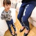 Дети рваные джинсы розничные новые девушки брюки мода девочка джинсы милые высокое качество детей брюки красивые свободного покроя девушки джинсы