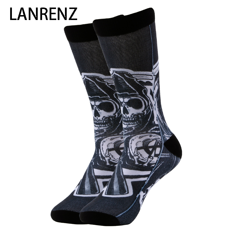 2020 Evil Skeleton Pirate Prints Men And Women Fashion Funny Socks 3d Printed Socks 200 Knitting Oil Painting Compression Sock