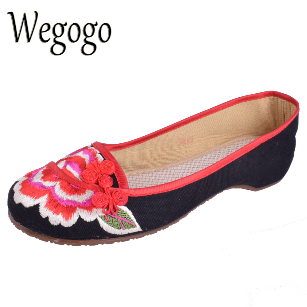 2017 New Women Flat Shoes Ballerinas Dance Embroidery Shoes Old Beijing Black Red Cloth Platform Canvas Walking Casual Flats vintage embroidery women flats chinese floral canvas embroidered shoes national old beijing cloth single dance soft flats