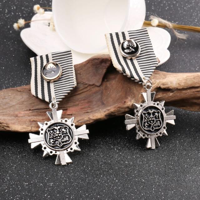Одна деталь ювелирные изделия Горячая ретро простые черные медаль брошь, изысканный маленький Эми значки мужской и женский