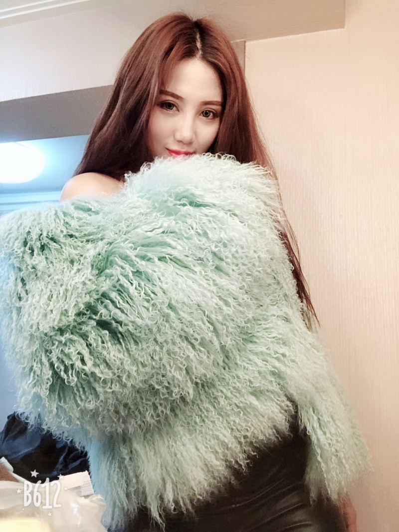 New brand real Mongolia Sheep Fur coat, thick warm ladies leather jacket, stylish personality warm effect super beach wool fur