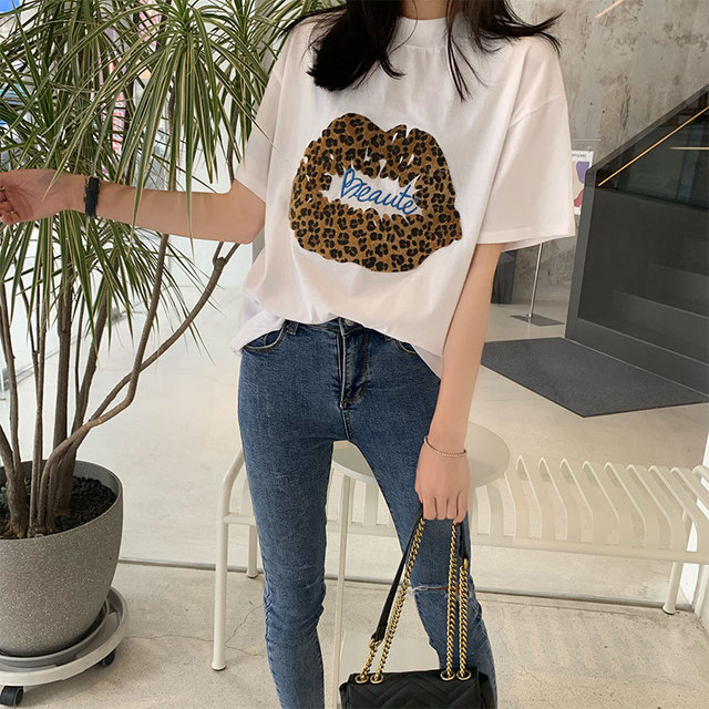 Summer ladies new straight type loose short sleeve Korean version of embroidered lip cotton T shirt top in T Shirts from Women 39 s Clothing