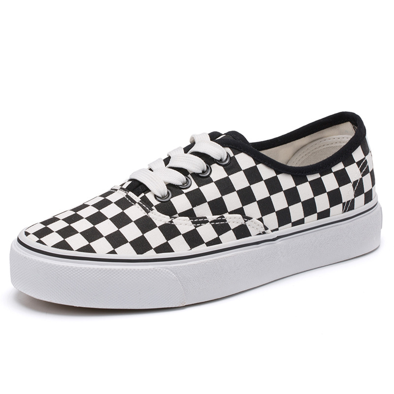 Men and Women Lovers Vulcanize Shoes Flat Heel Fashion Black and White Lattice Canvas Shoes Casual Light Loafers