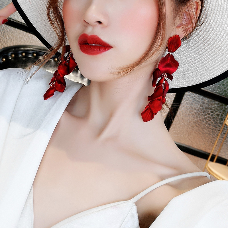 HTB1gyprd8Cw3KVjSZFlq6AJkFXao - Korean New Fashion Temperament Alloy Women Pendant Earrings Sexy Rose Petals Long Tassel Earrings Women Jewelry Red Earrings