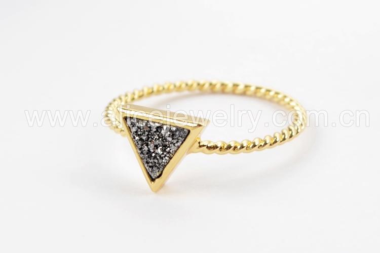 BOROSA 10PCS Gold Color Triangle Rainbow Drusy Rings, Mixed Colors Agates Titanium Rainbow Druzy Bezel Ring Women Jewelry ZG0290 7