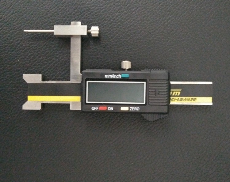Electronic Measuring Instruments : High precision digital step gap caliper face height gauge