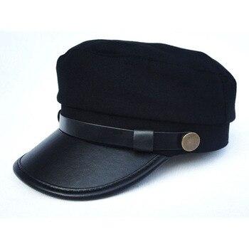 Unisex militar marinero de sombreros gorras superior plano militar visera de  sol de las mujeres de los hombres de primavera vendedor de tapas con  cinturón ... c2cffa2f830