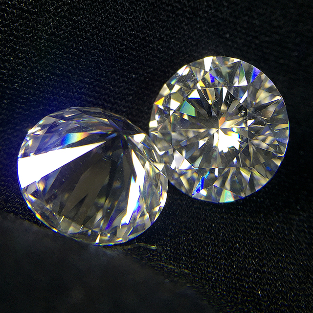 Round Brilliant Cut 1.0ct Carat 6.5mm EF  Similar to charles colvard Moissanite Loose Stone Excellent Cut Grade Test Positive 1
