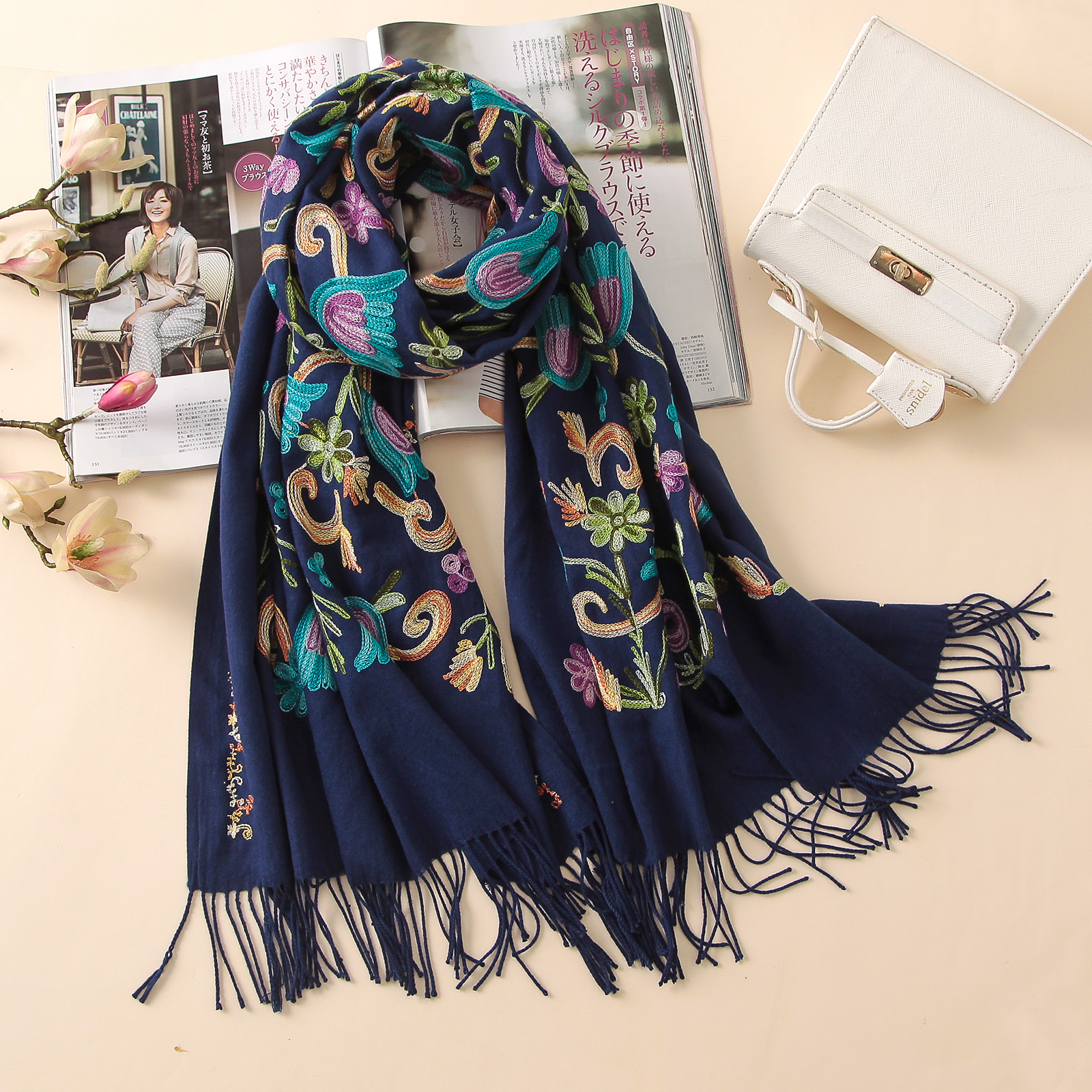 2017 designer quality embroidery cashmere scarves vintage wis