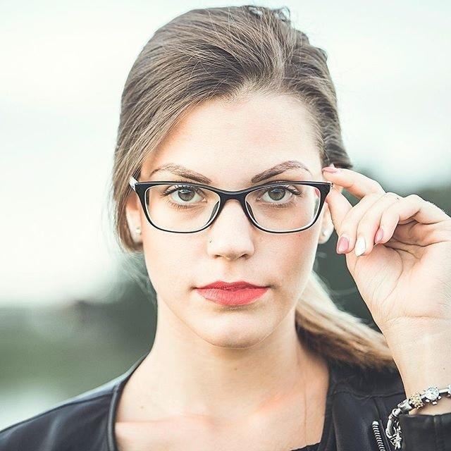 Novas Mulheres Da Moda Óculos de Armação Homens Óculos Preto Quadro  Quadrado Do Vintage Lente Clara 79481b4840