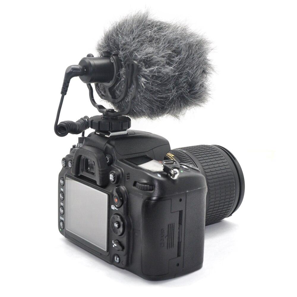 Зеркальный фотоаппарат с внешним микрофоном