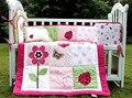4 unids algodón del lecho del bebé bordado 3D rosa roja flor de mariposa insectos edredón Bumper cojín almohada cuna lecho