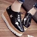 2016 Estrelas Venda Quente Mulheres Apartamentos Dedo Do Pé Redondo Plataforma de Couro de Patente sapatos Oxford Rendas até Sapatos Tamanho 35-39 Sapatos Brogue PX69 Derby