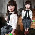 Стиль школа комплект весна дети одежда свободного покроя блузка + без тары stiped брюки девочка одежда комплект