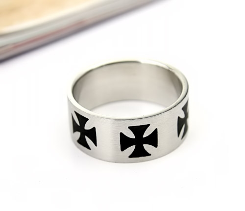 free shipping Hot Fashion Punk Personality Men Wholesale Ring Round Face Skull Broadside Cross Titanium Steel Ring For Men Ring