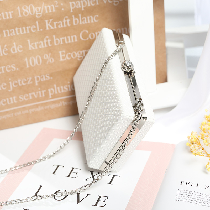 Trenadorab 2018 White ladies frame bag black women leather clutches purse Gold silver Black diamond Lattice handbag on chain