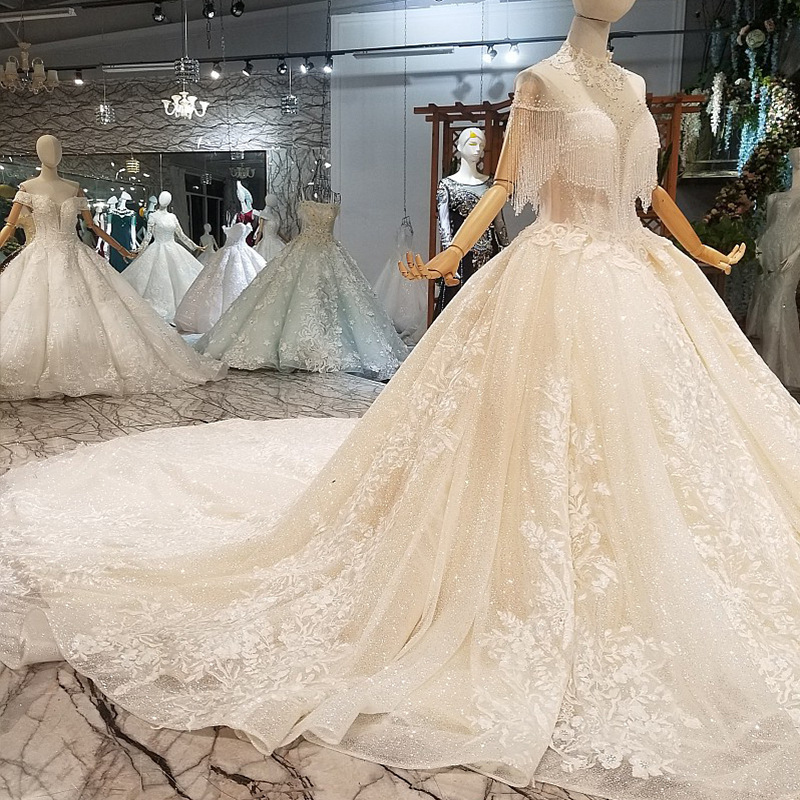 Vivian's Bridal Luxury Crystal Yarn Beading Tassel Wedding Dress Backless High Neck Lace Applique Sequin High-end Bridal Gown
