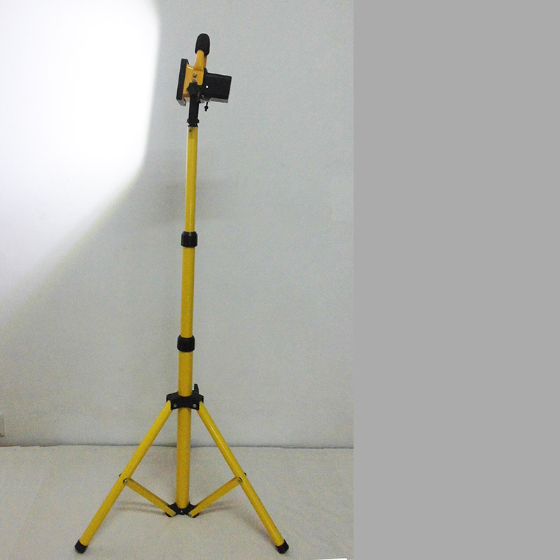 10W LED camping light with tripod stand