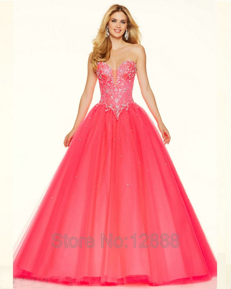 Simple Prom Dresses 2011 Are Actually The Main Topic Of Most Teenage Girls Conversations With Prom 2010 Already A Distant Memory, Younger Women Everywhere Consistently Think Of What Colors And Styles Of Prom Dresses The Year 2011