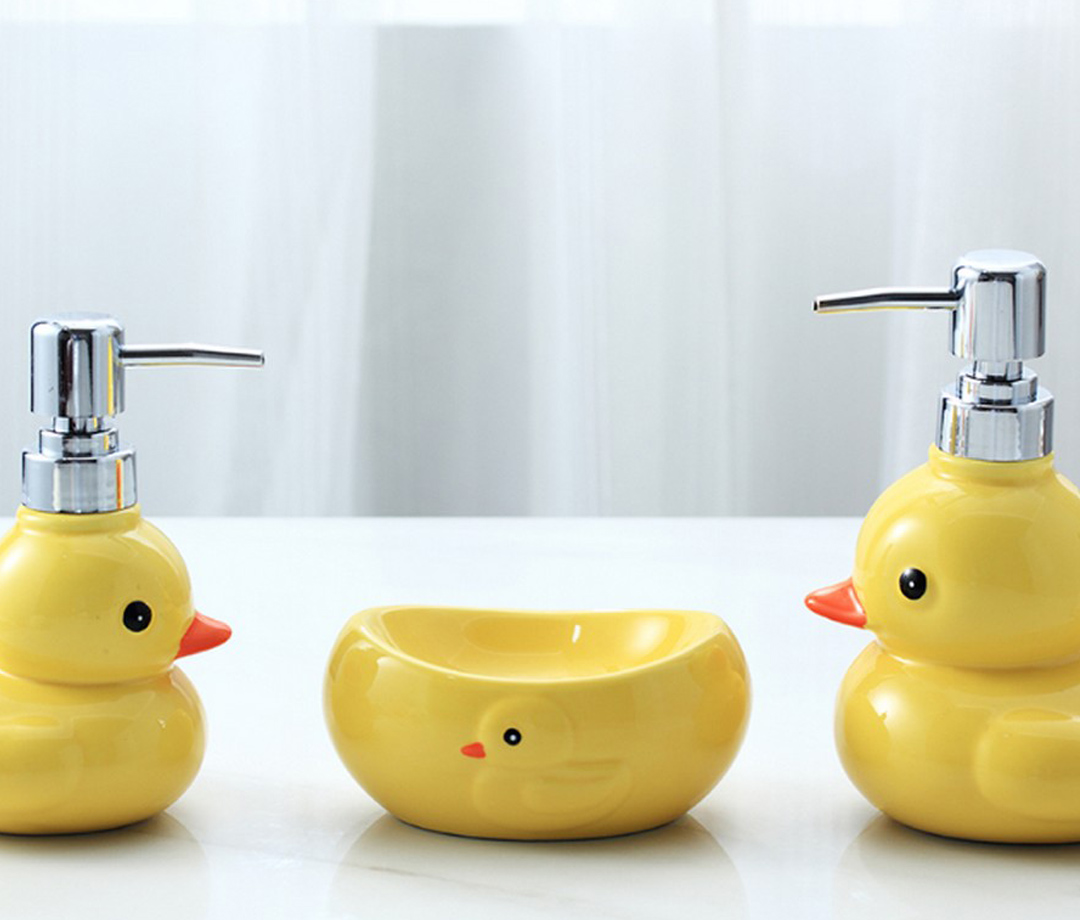 Cute Yellow Duck Ceramics Bathroom Accessories Soap Dispenser/Dish Bathroom Products Creative Hand Washing Liquid Bottle LFB272