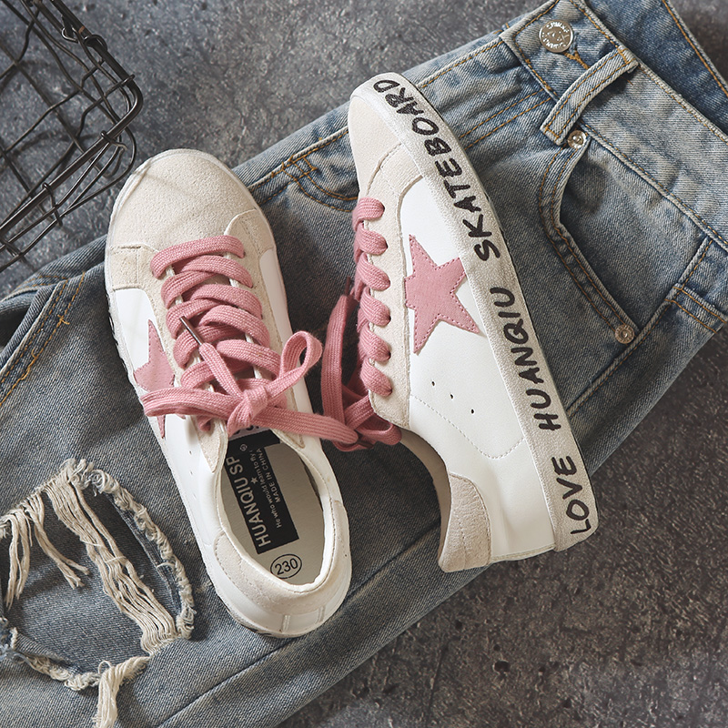 Women White Shoes Letters 2018 Summer New Female Chic Sneakers Lace Up Stars Pink Lace Lady Shoes Flat Heel Vintage Style 35-49 недорго, оригинальная цена