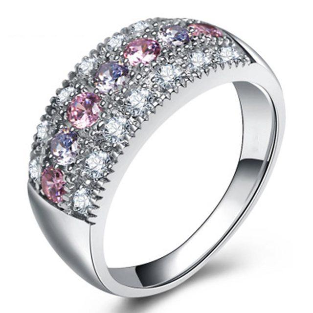 טבעת מקושטת באבני קריסטל צבעוניים 2