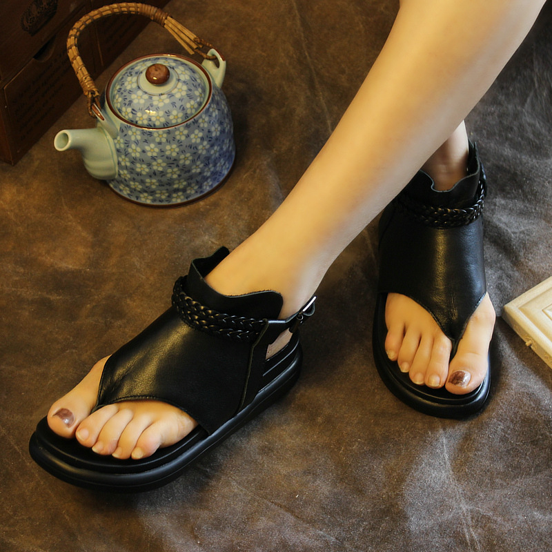 ФОТО 2017 Summer Womens Sandals Black Genuine Leather Ladies Slip On Shoes Low Heel Handmade Womens Leather Shoes T Strap Rome Style