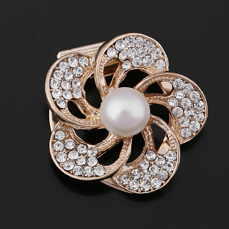 Factory Direct Sale 5 Petal Crystal Rhinestone Women Flower Scarf Clips Buckles With One Simulated Pearl